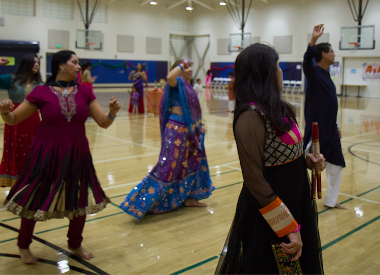 Lynbrook+community+celebrates+Dandiya+Raas