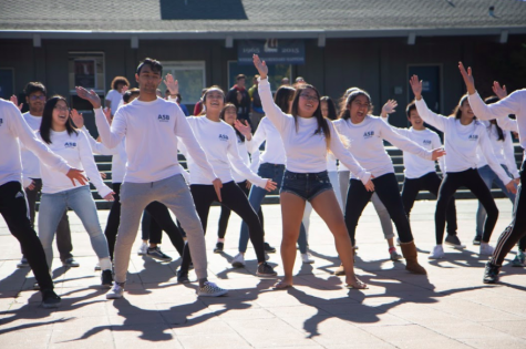 Hugs and Performances: ASB holds Kindness Week