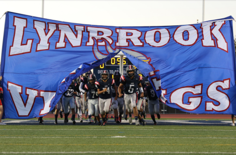 Lynbrook Football Plays Marina High School