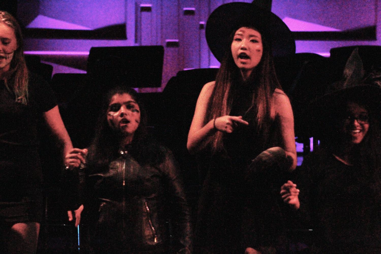 GIRLS CHOIR | Girls choir dances to