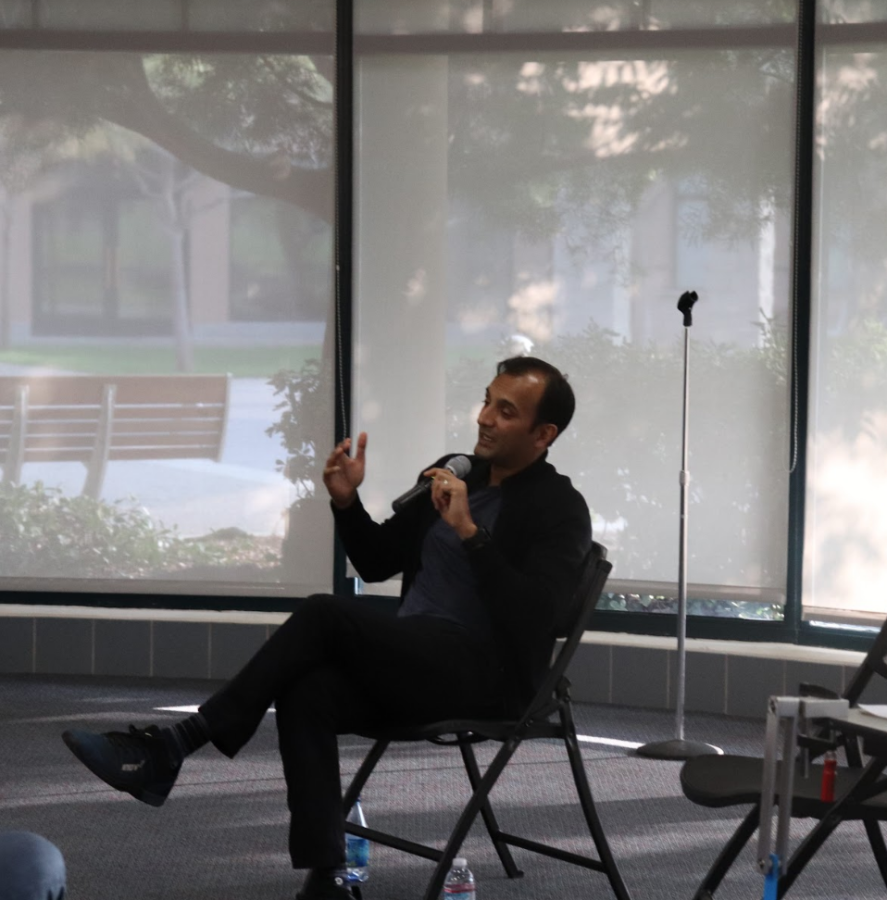 DJ Patil, Monta Vista alumnus and former U.S. Chief Data Scientist returns to offer his experiences and advice to the school community.